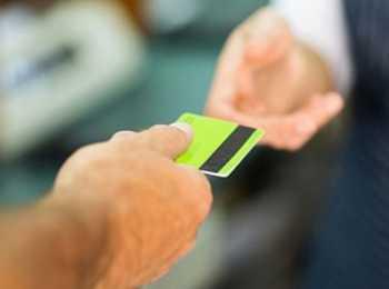 Как осуществить оплату пенсии на карточку Сбербанка без пенсионера: варианты, ограничения