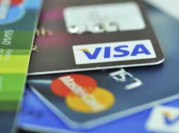 Банкомат отторгает карту Сбербанка: причины, как в этом случае снять деньги