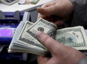 Как проводят операции с долларами в Сбербанке